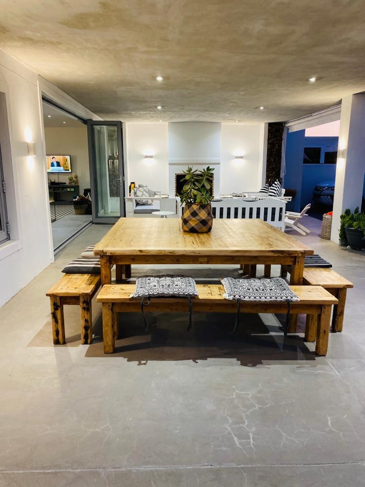 Square oregon table