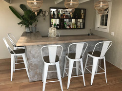 Home bar in recycled wood
