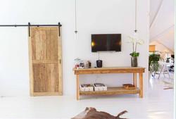 Barn door and 2.5m counter