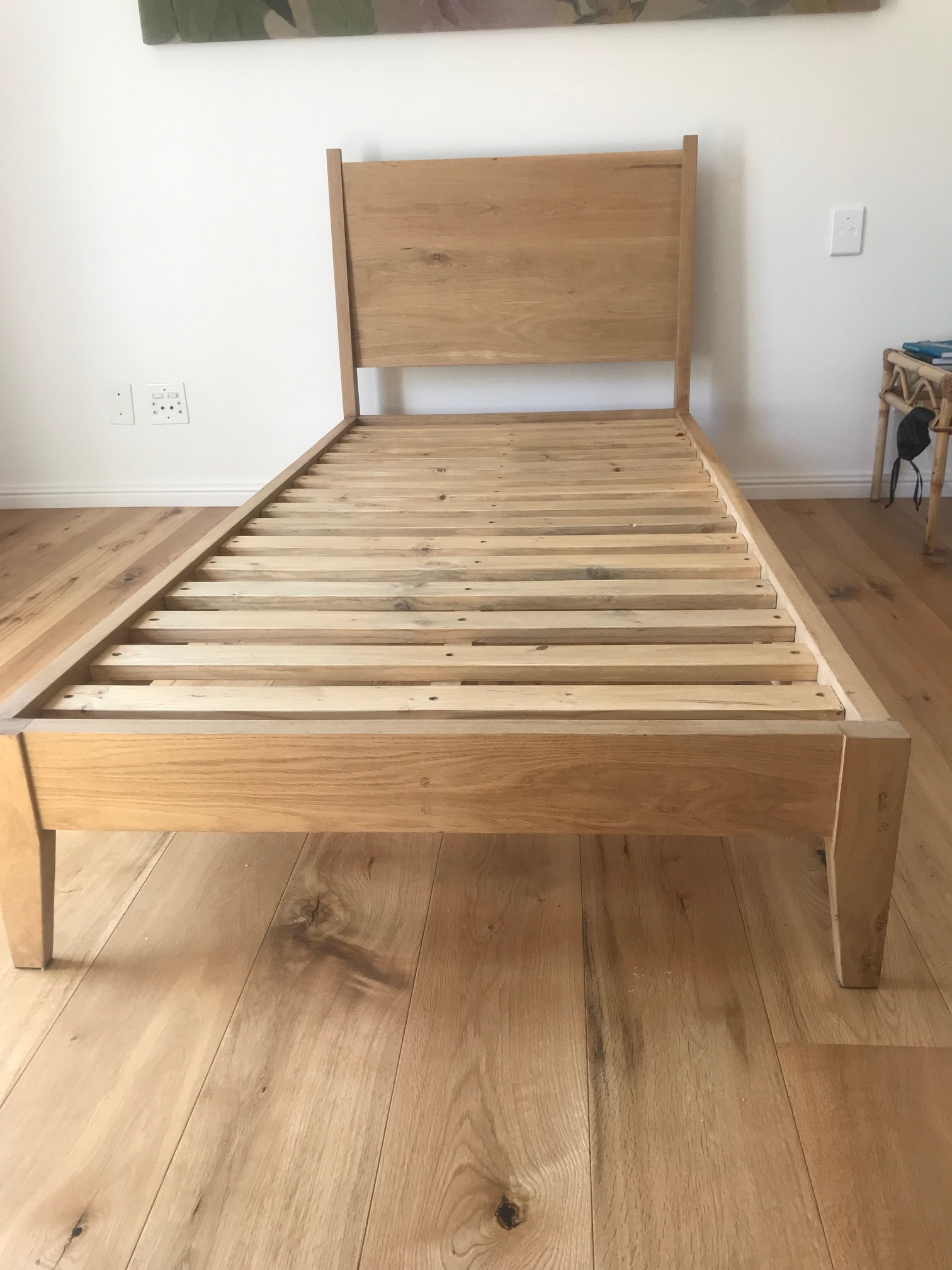 Oak bed