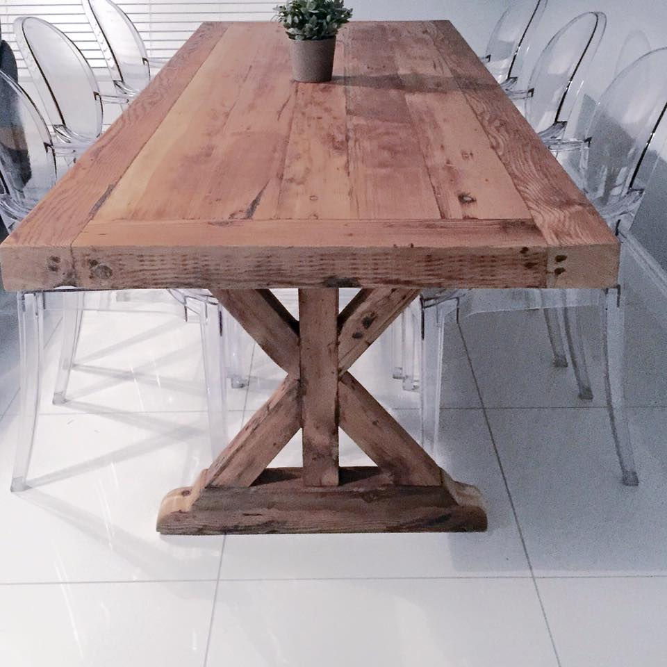 Star rustic Oregon table