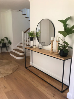 Entrance server and steel mirror