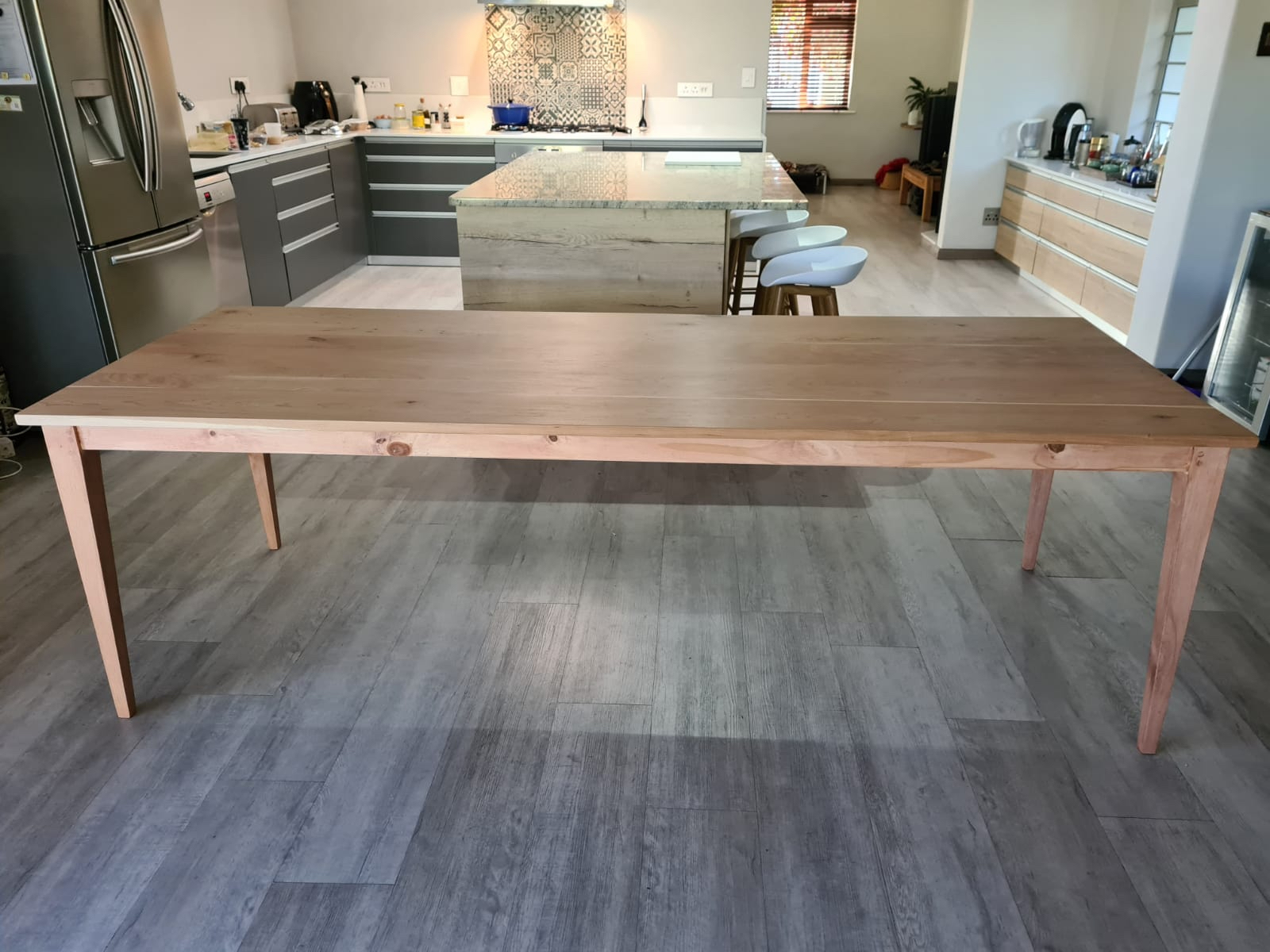 Dining room table 10 seater