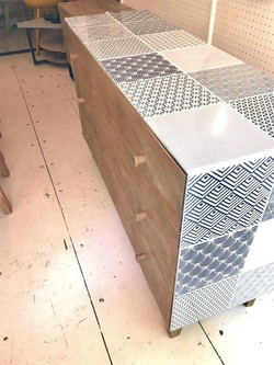 Chest of draws with ceramic
