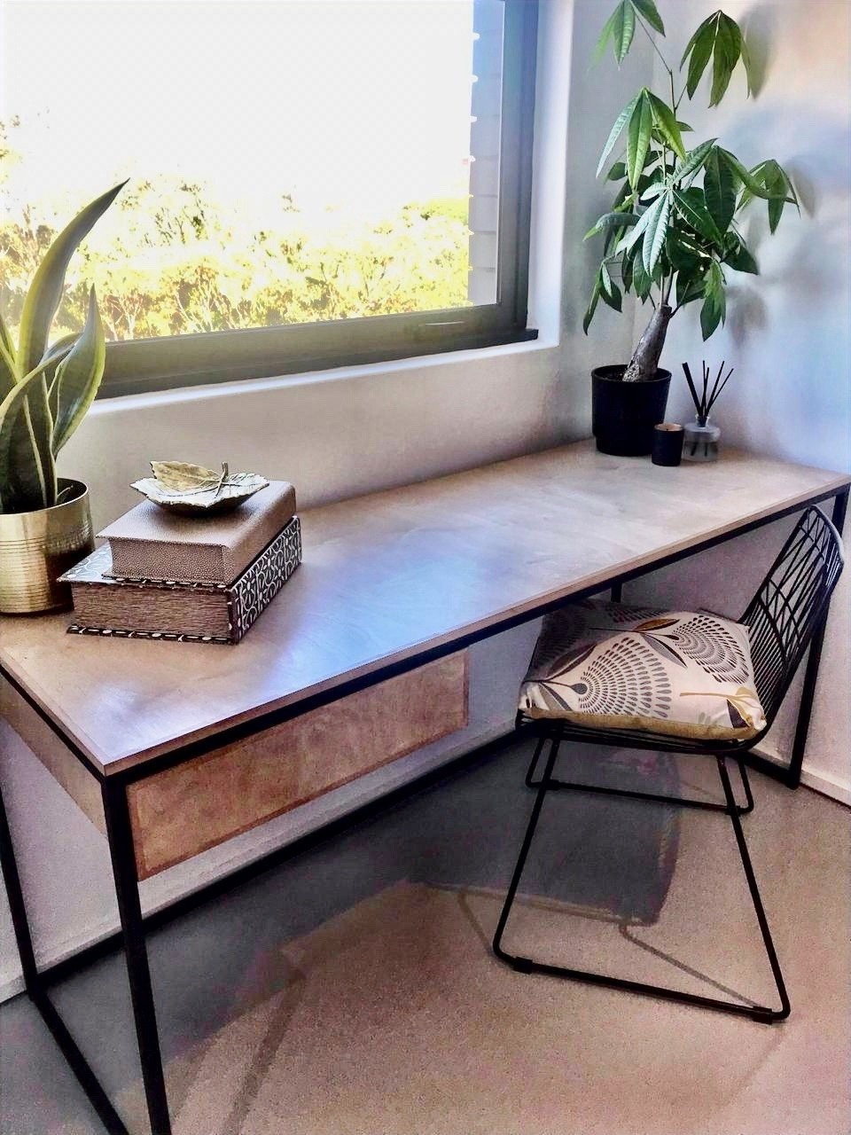 Home desk in steel and wood