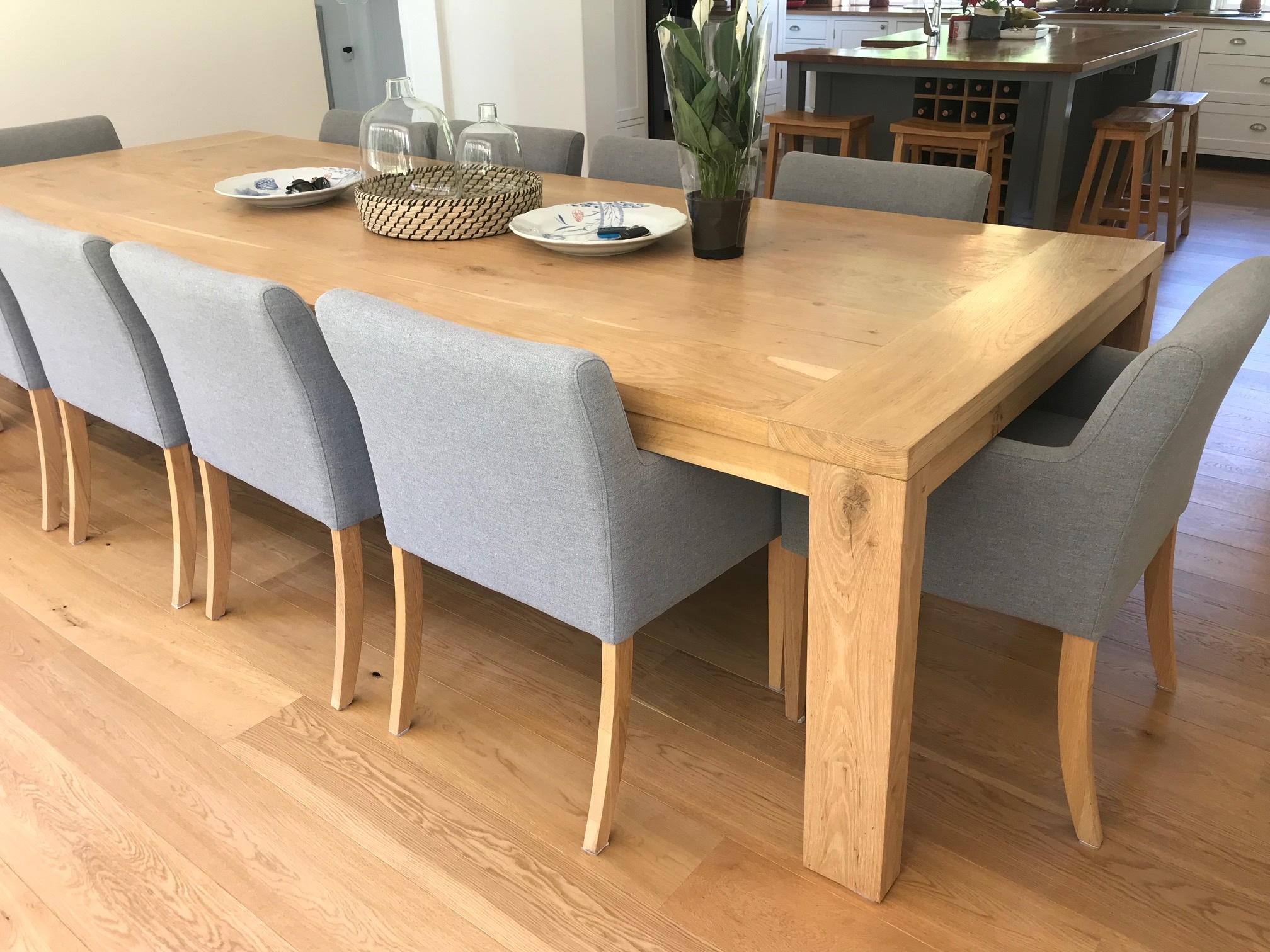 10 seater oak dining room table