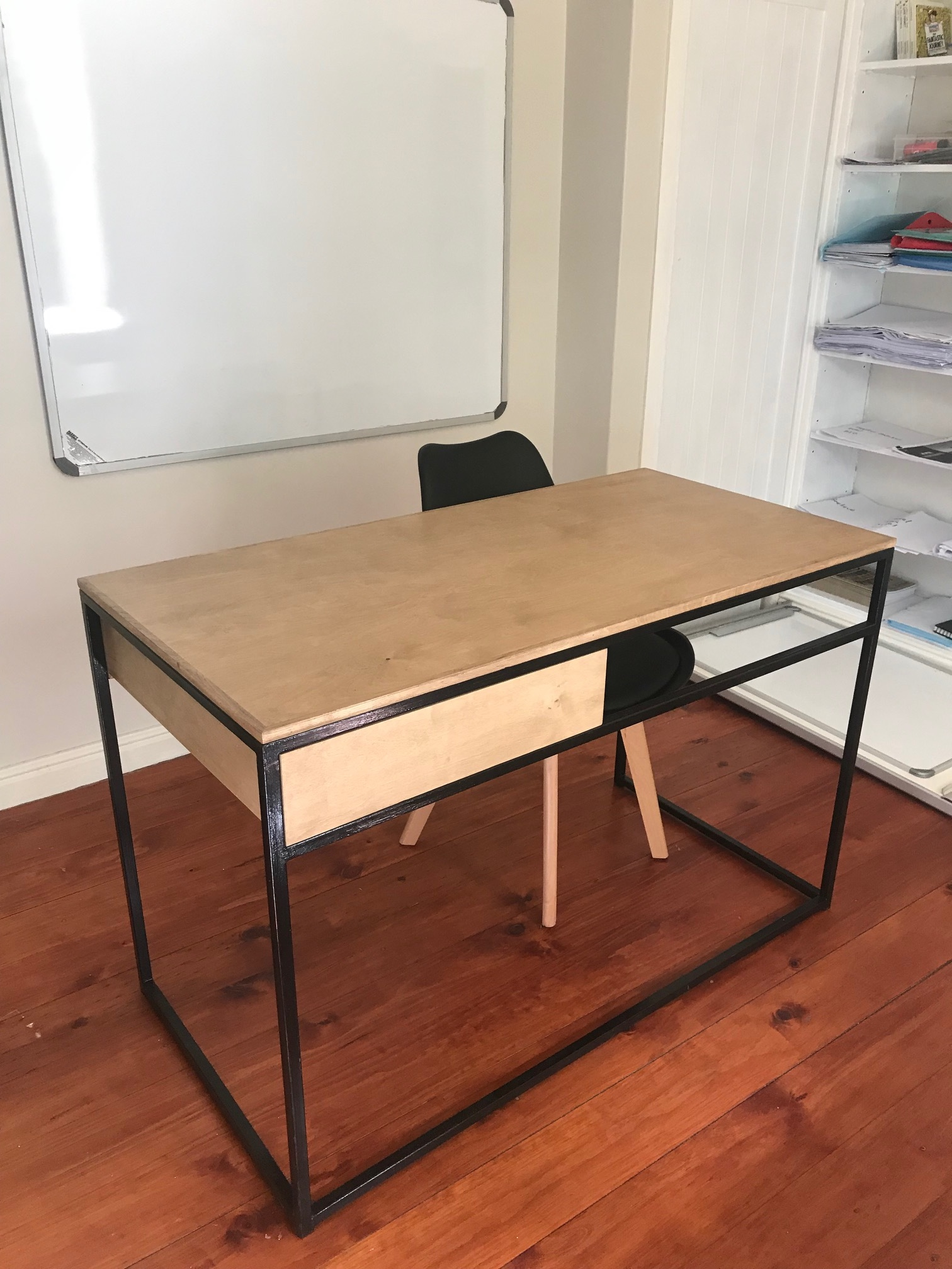 Office desk in oak and steel