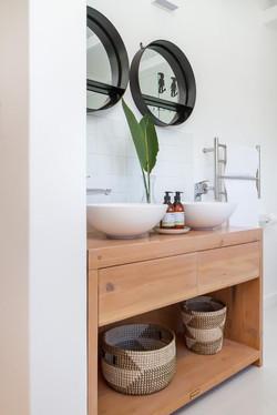 Double vanity in bathroom