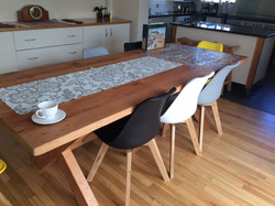 Rose 2.6 table with colour chairs