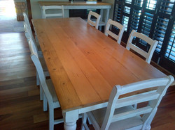 Rustic Oregon Table - Melkbos Mix.