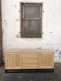 Side server in wood and steel
