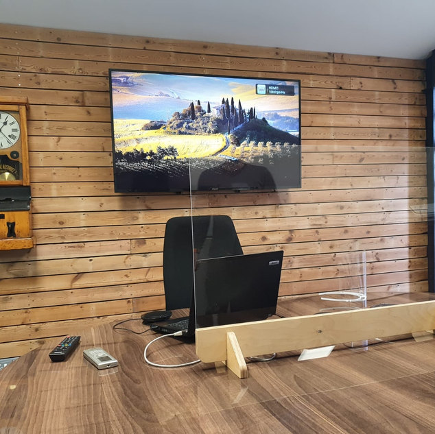 Boardroom desk divider