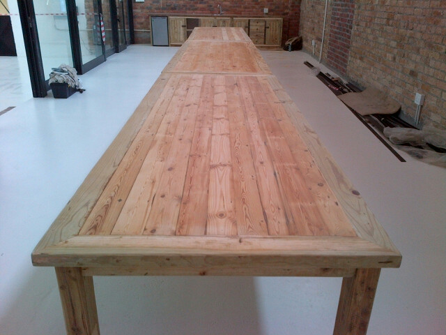 9m table.
