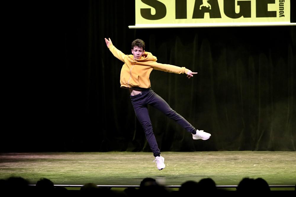 2019-03-23-Juniors-On-Stage-1209