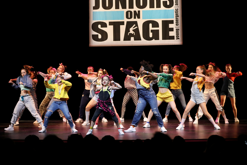 2018-Juniors-On-Stage-1473