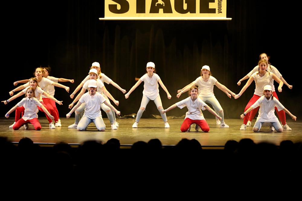 2019-03-23-Juniors-On-Stage-1245
