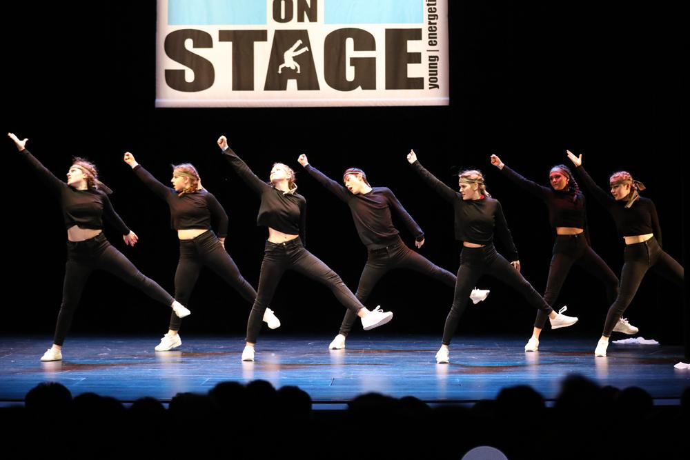2018-Juniors-On-Stage-1198