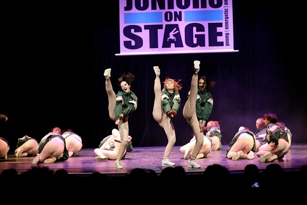 2019-03-23-Juniors-On-Stage-1713