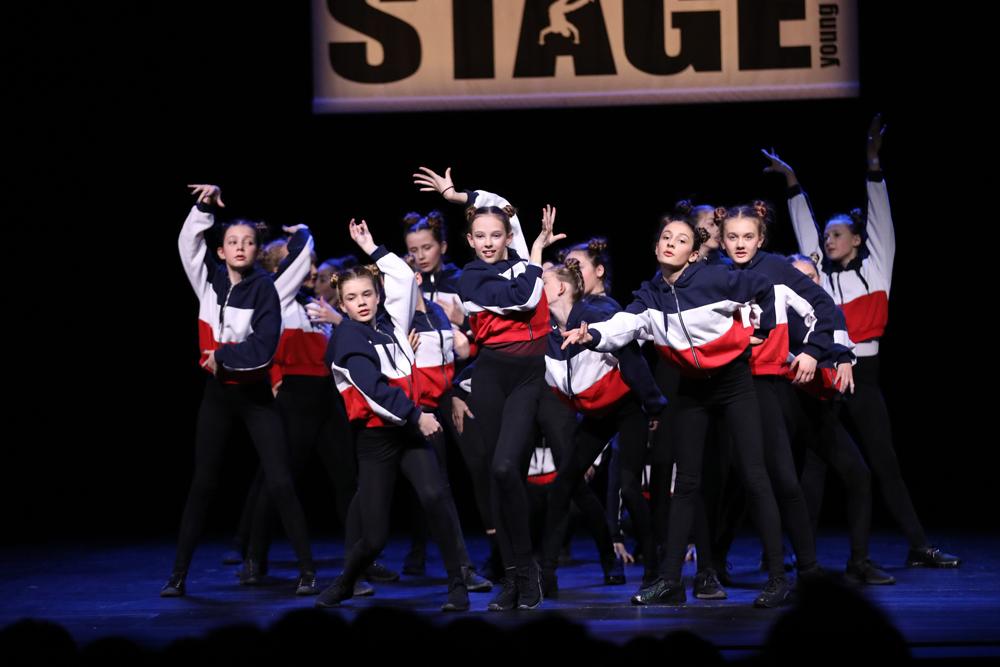2018-Juniors-On-Stage-1250