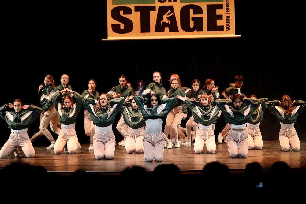 2019-03-23-Juniors-On-Stage-1699
