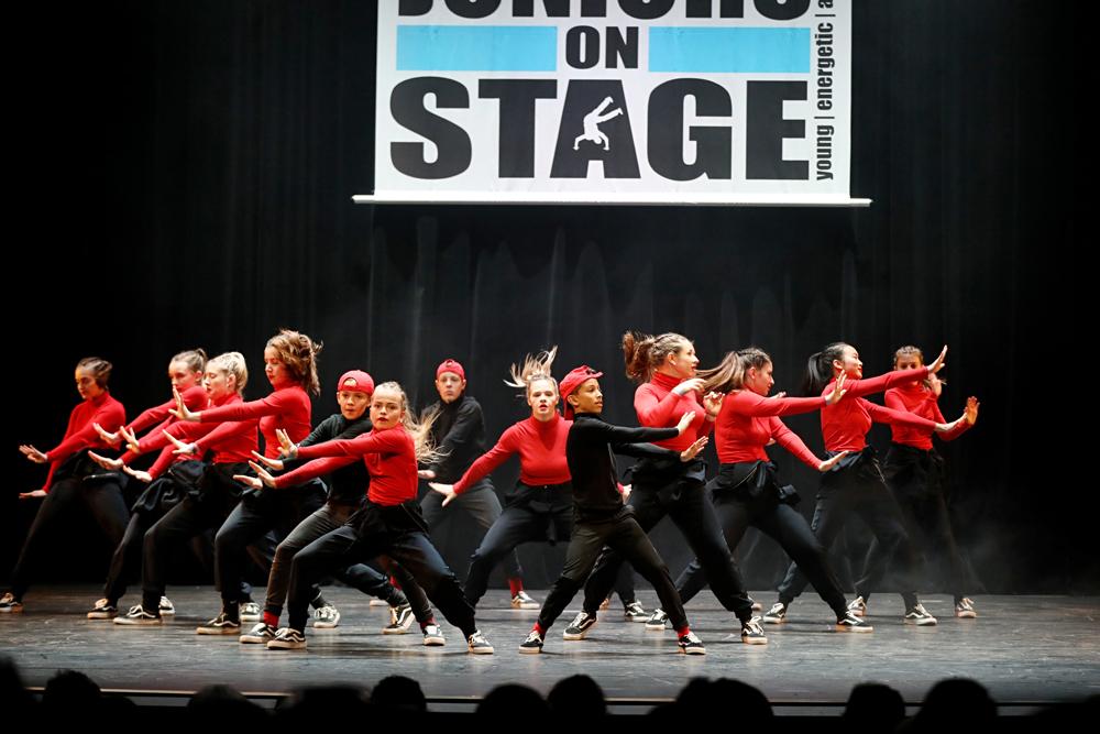 2019-03-23-Juniors-On-Stage-1098