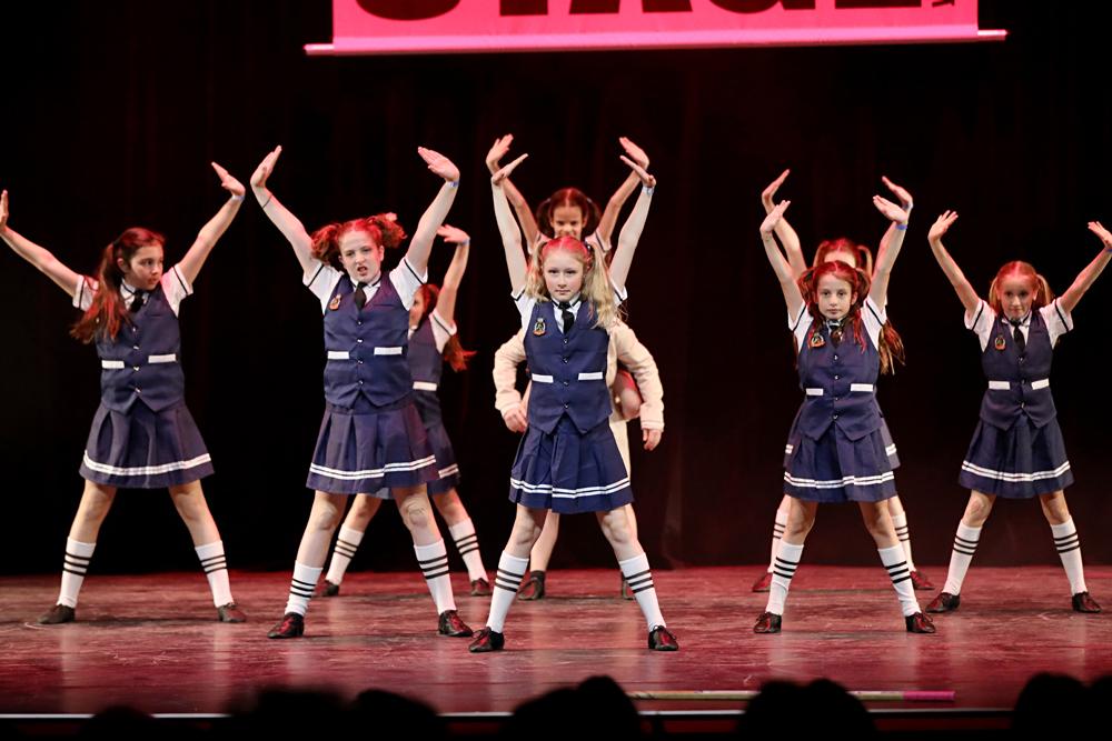 2019-03-23-Juniors-On-Stage-1904