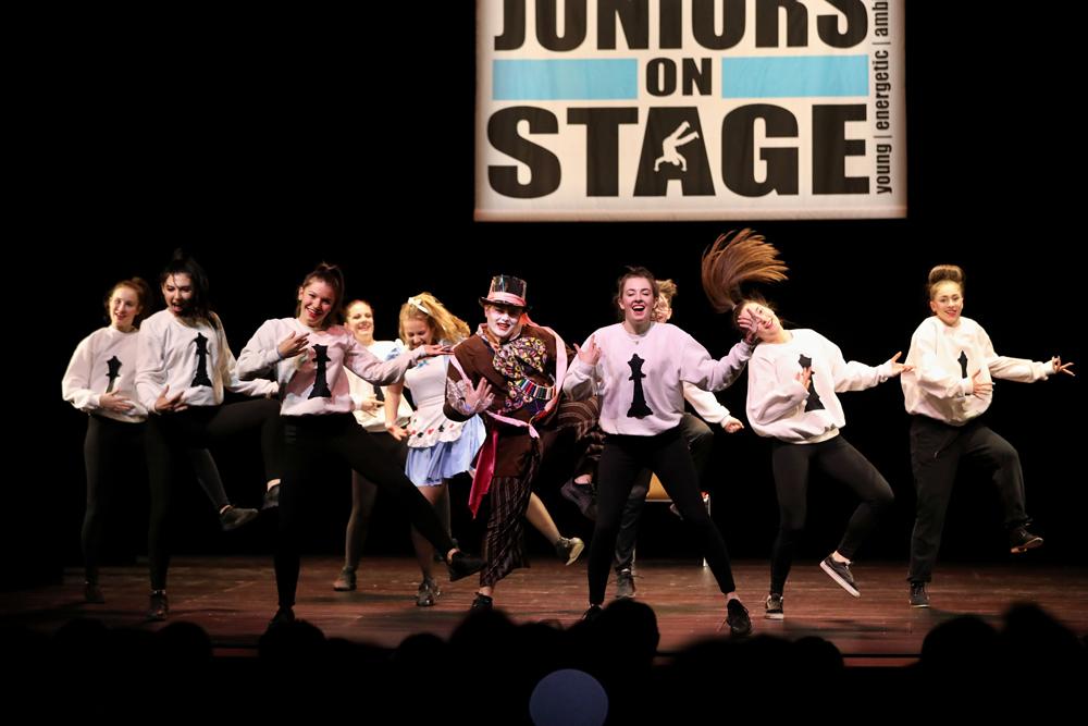 2018-Juniors-On-Stage-1622