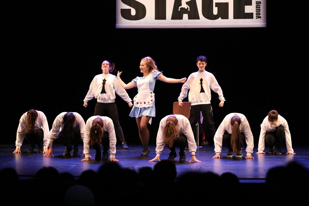 2018-Juniors-On-Stage-1604