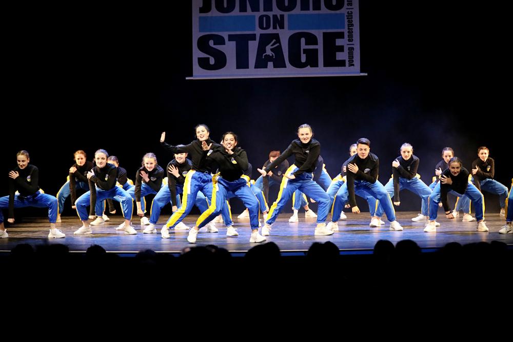 2019-03-23-Juniors-On-Stage-1950