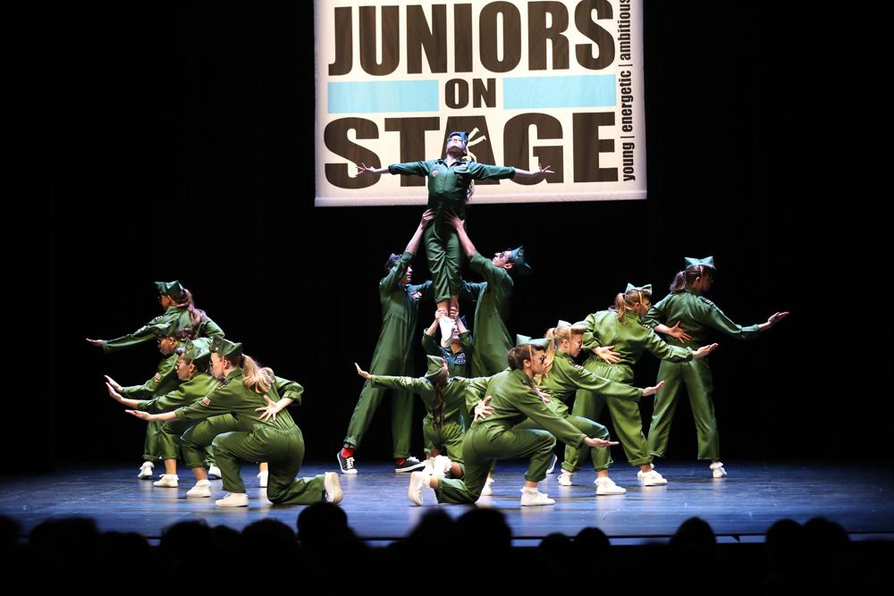 2018-Juniors-On-Stage-1837
