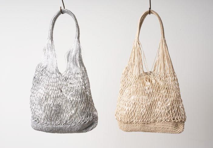 メタリック編みのミニバッグ