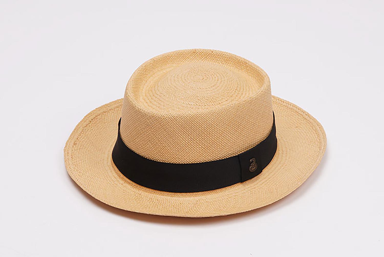 帽子を三脚でブツ撮り | 福岡のカメラマン