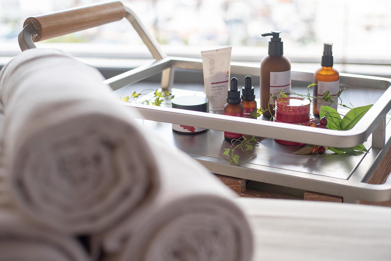 オーガニック化粧水の利用シーンを撮影 | 福岡のフォトグラファー