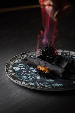 フランベした炎とウニをレタッチ合成