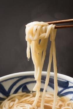麺の雫をレタッチで合成した料理写真