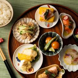小皿料理の俯瞰写真撮影 | 福岡の料理専門カメラマン