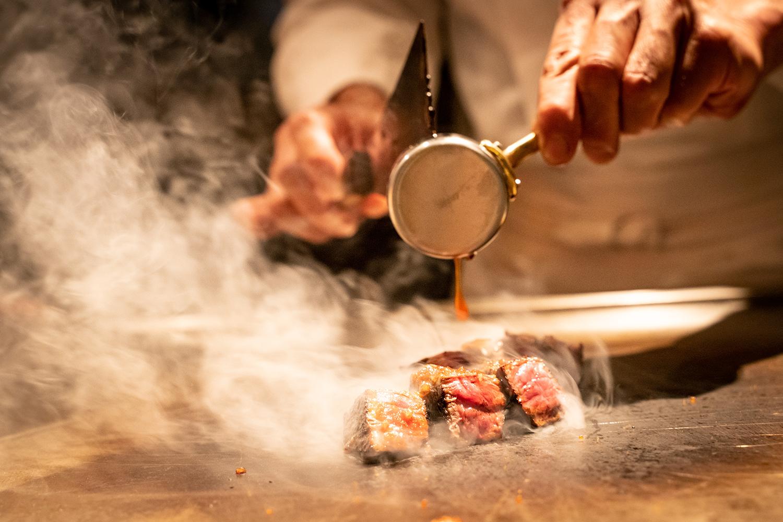 鉄板焼きの料理風景を撮影 | 福岡の写真事務所