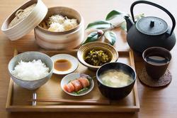 福岡の写真事務所が自然光で和食を撮影