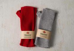 色味は優しいカラーでコーデに合わせやすい、ウィリアム ブラントンのニット手袋