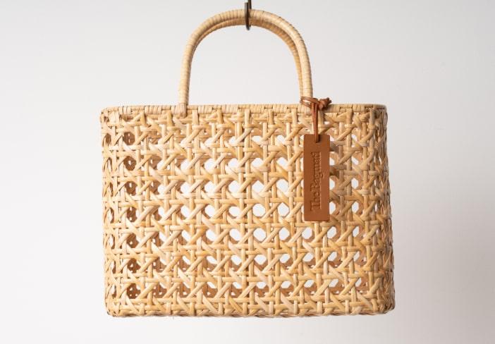 バンブー素材で作られたバグマティのカゴバッグの卸し