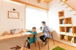 モデルルームで子役を撮影   福岡の写真事務所