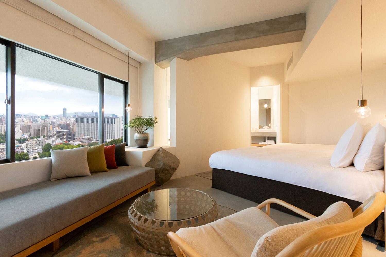 福岡市中央区の高級ホテルの客室を斜俯瞰広角撮影