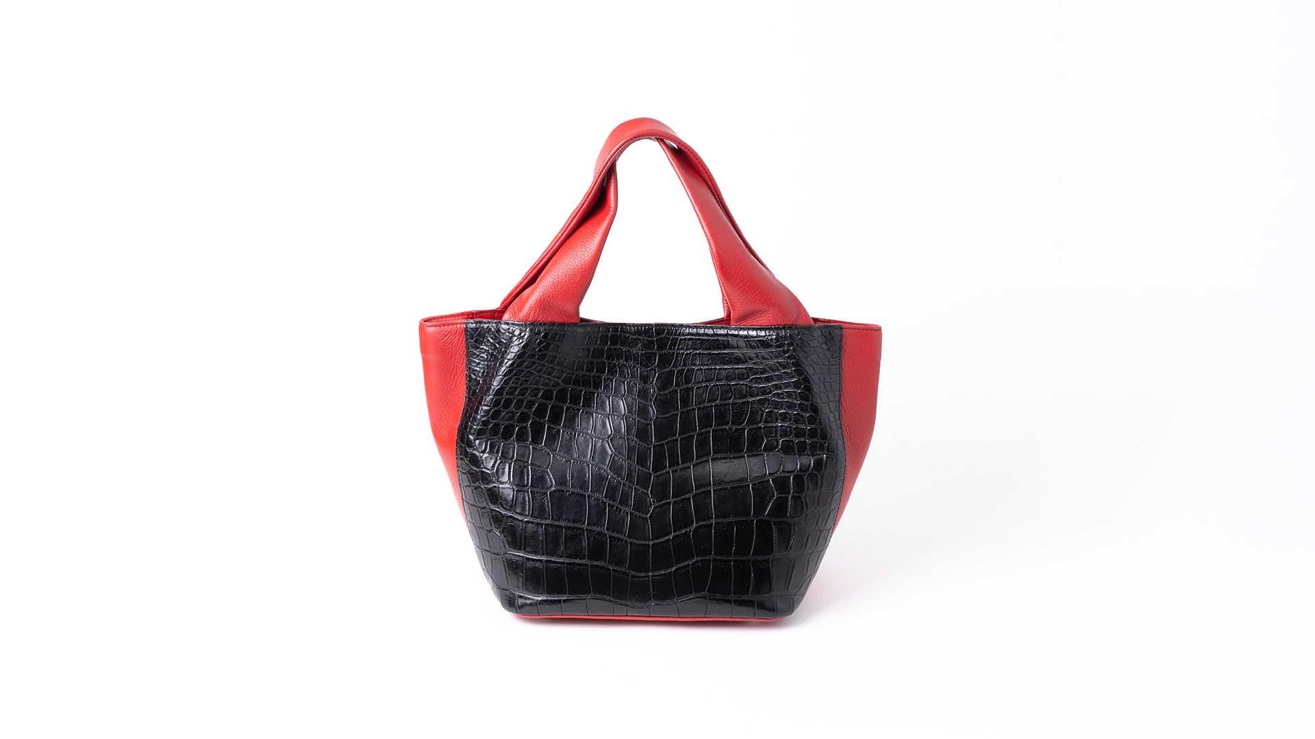 クロコダイルのレディースバッグ