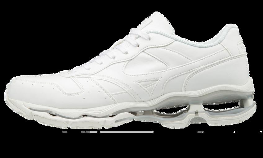 サイズ(cm)や価格も様々。スポーツ初心者でも日常的に着やすい性能の高いウェアばかり。サイト検索して商品を予約する方もいます。