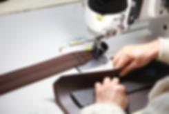 パッククロスナイロンなどの軽量なナイロン素材に、開閉しやすいファスナー・ポケットなど機能性も抜群のリュックです。