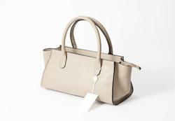 AULENTTI オーレンティのホワイトレザーハンドバッグ