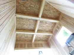 国産の木材の香りを感じる空間に。