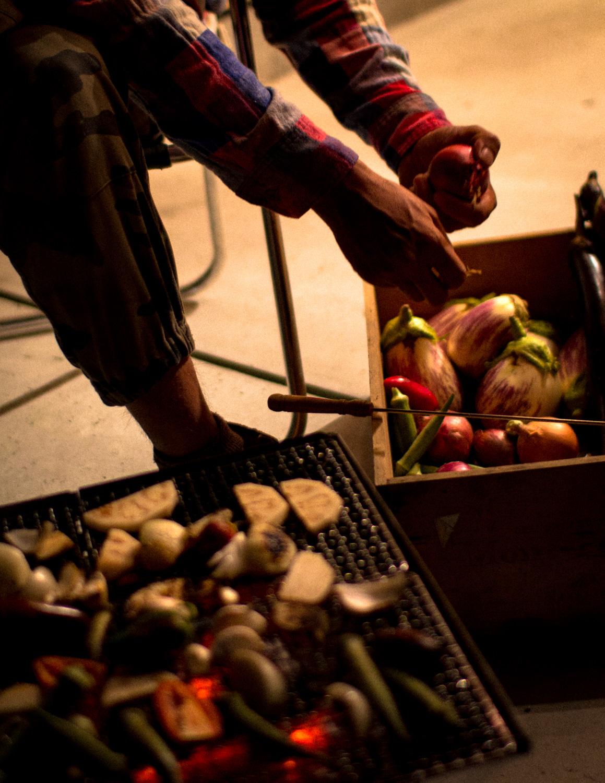 オーガニック野菜でバーベキューをスナップ撮影