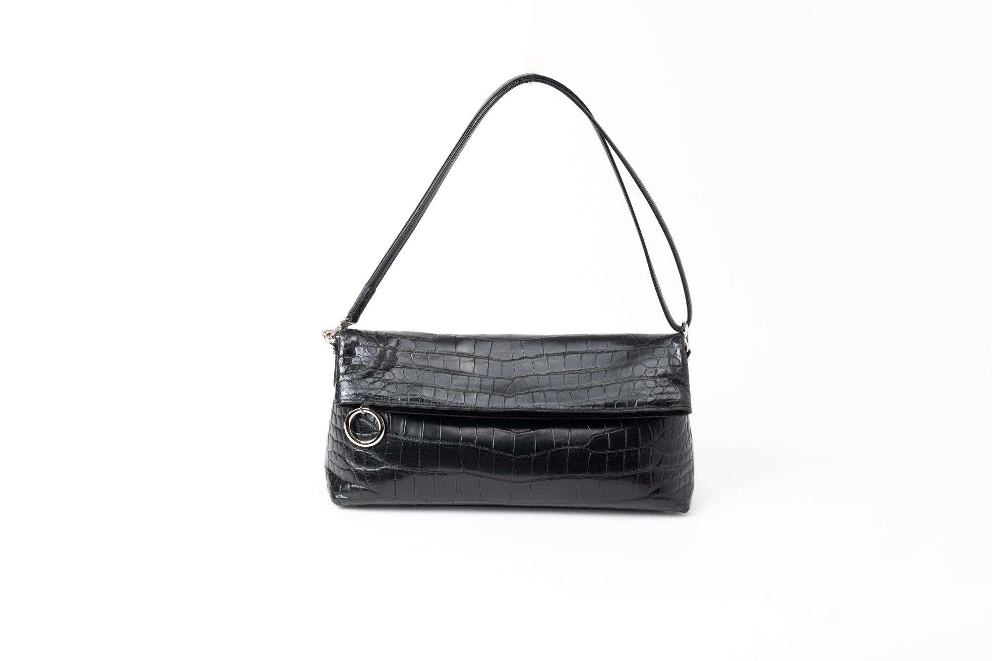 どんな配送方法でも選べる婦人用バッグを撮影 | 福岡の写真スタジオ