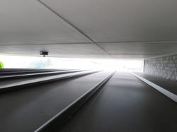 工務店の屋根には耐久性の高いガルバニウム合板を張ります。
